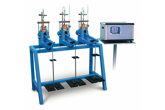 Consolidation bench for shear boxes